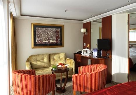 MS Amalyra suite accommodation