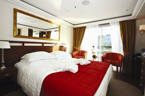 Standard cabin on Amalyra