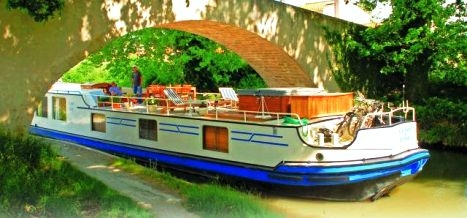 Clair De Lune Luxury Hotel Barge