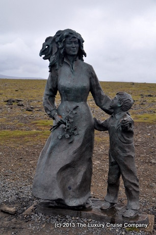 Mother and child statue North Cape