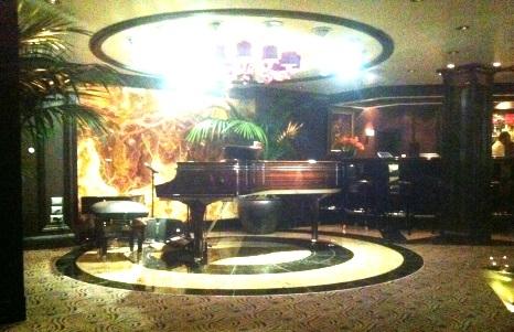 Martini Bar - Oceania Cruises Riviera