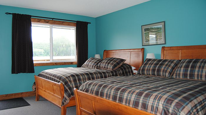 Bedroom, Knight Inlet Lodge