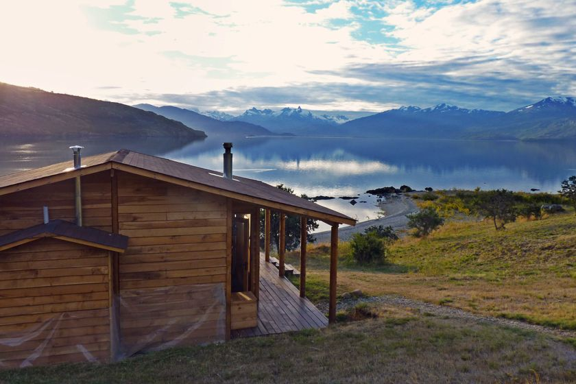 Cabin with a lake view at Mirador de Guadal