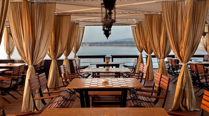 Dining terrace, Sun Boat IV