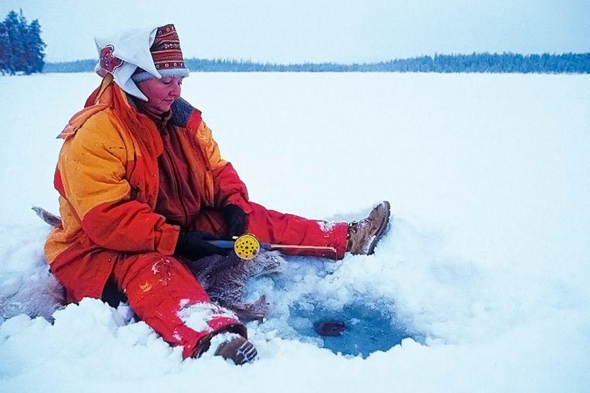 Ice Fishing in Harriniva