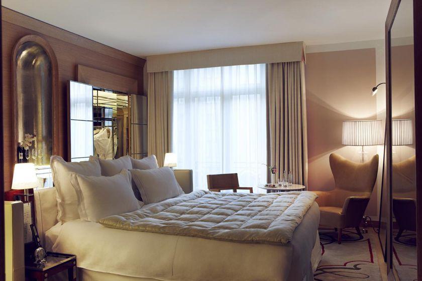 Raffles Paris room