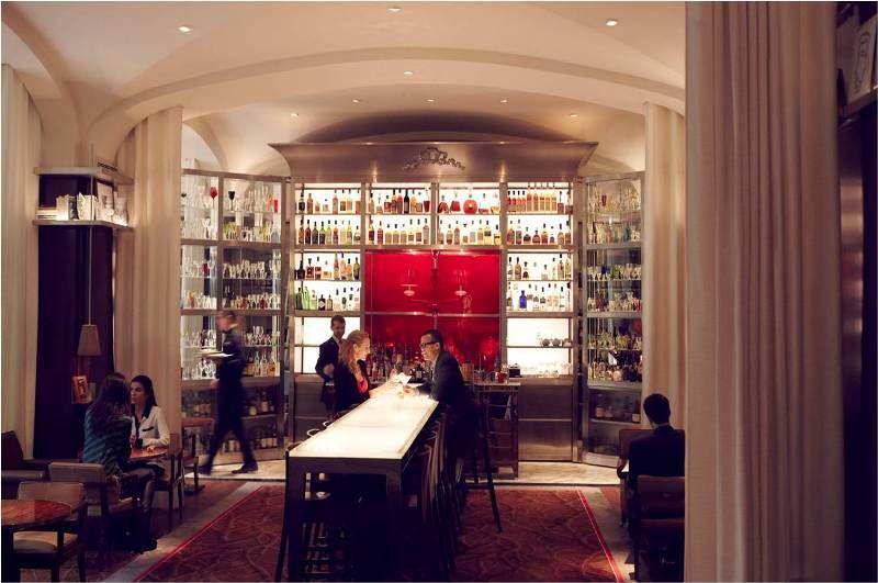 Raffles Paris bar