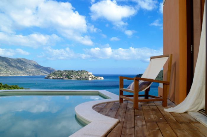 Domes of Elounda premium pool suite