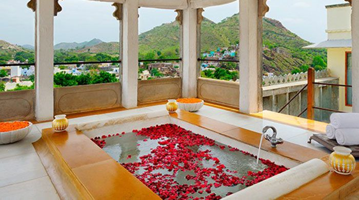 Devi Garh Suite bathroom