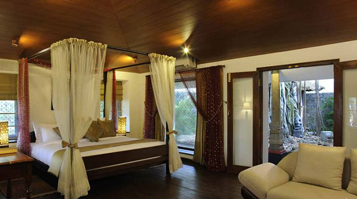 Banyan Tree Bangalow Room
