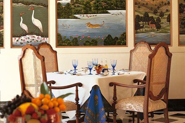 The Oberoi Vanyavilas, Restaurant