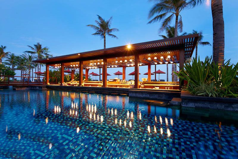 St Regis Bali Resort poolside bar