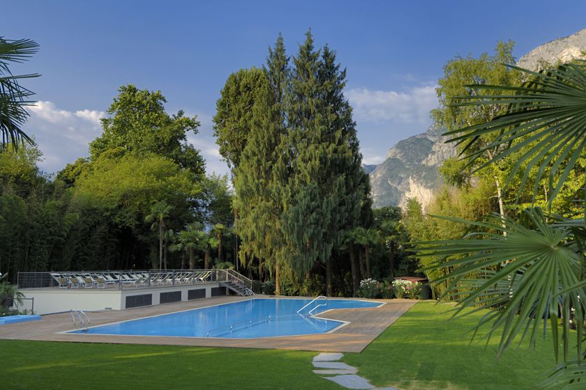 Swimming pool at Du Lac et Du Parc, Lake Garda
