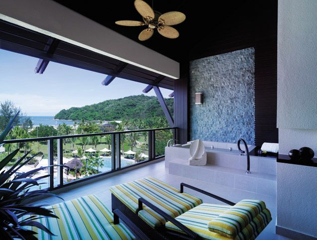 Shangri la Rasa Ria - Ocean View Balcony Deck