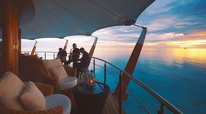 Lighthouse Lounge, Baros Maldives