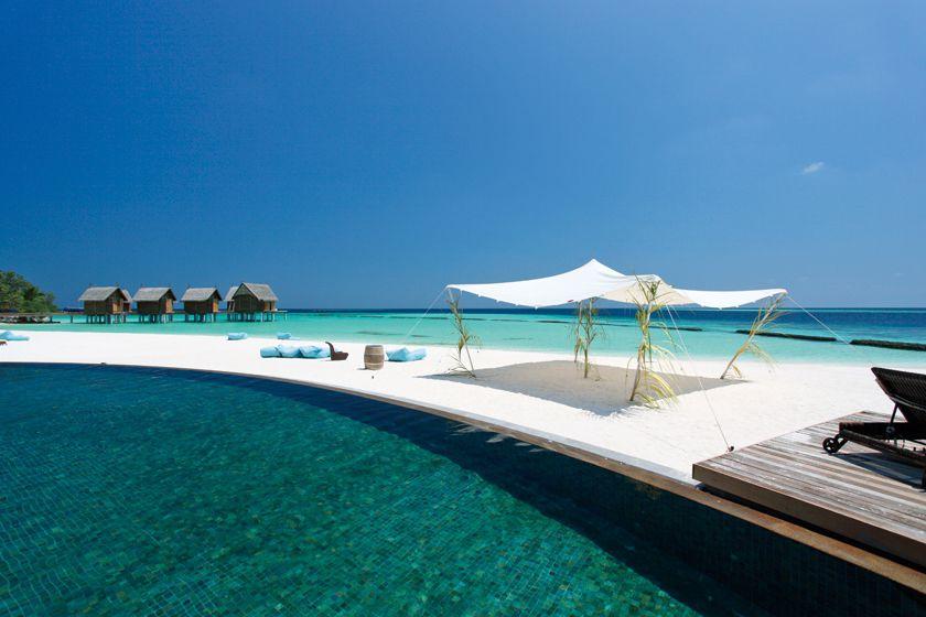 Pool at Constance Moofushi, Maldives
