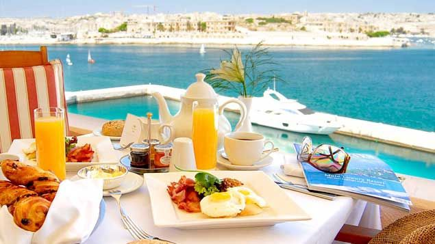 Grand Hotel Excelsior breakfast