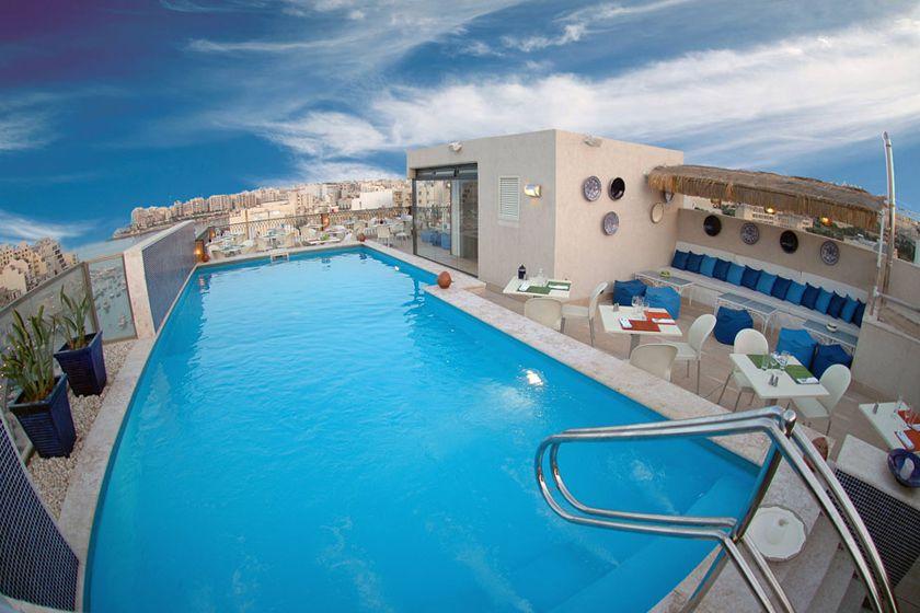Pool at Hotel Juliani, Malta
