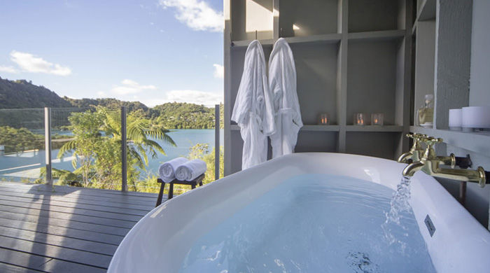 Bath with a view, Solitaire Lodge, Rotorua