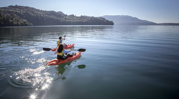 Kayaking on Lake Tarawera, Solitaire Lodge, Rotorua