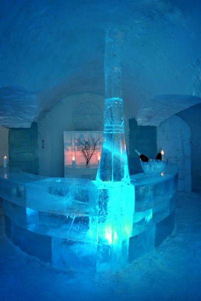 Ice art at Sorrisniva Igloo Hotel