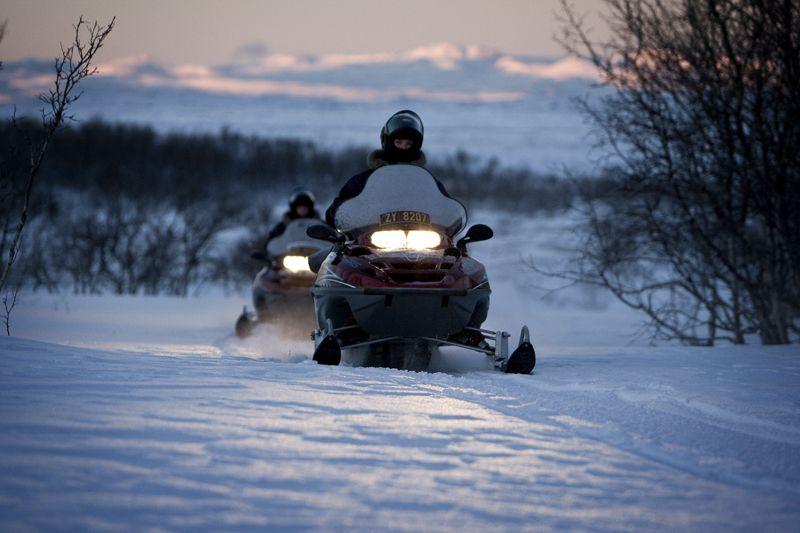 Snowmobile safari on Finnmarksvidda