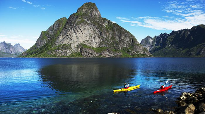 Kayaking, Reine, Lofoten, Mattias Fredrikson Photography.