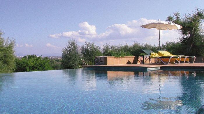 Infinity pool, Llenaire, Mallorca