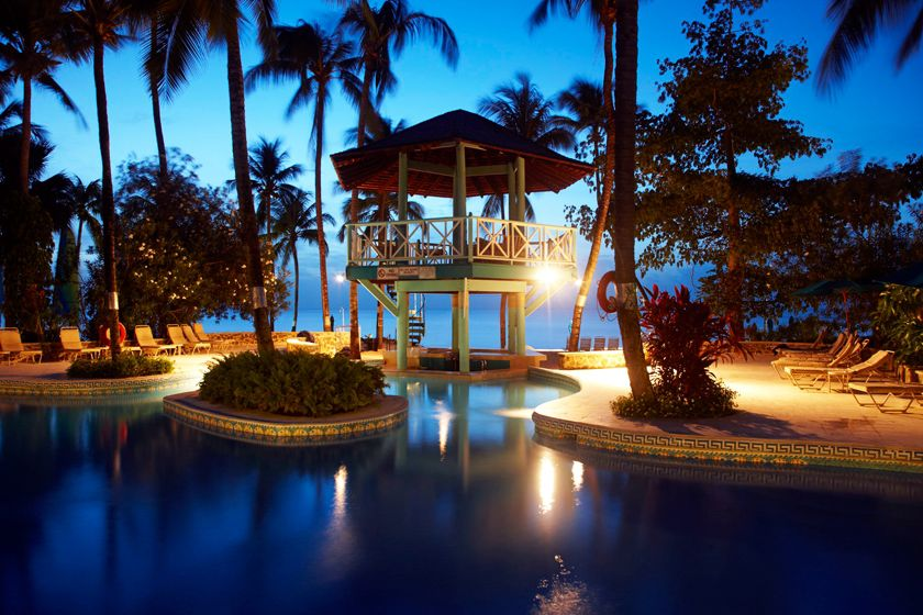 Rendezvous saint lucia holidays 2018 2019 luxury for Top caribbean honeymoon resorts