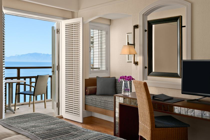 Deluxe room at Kempinski Hotel, Barbaros Bay