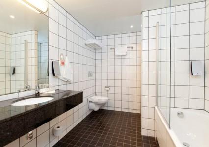 Suite Bathroom, Thon Hotels Kirkenes